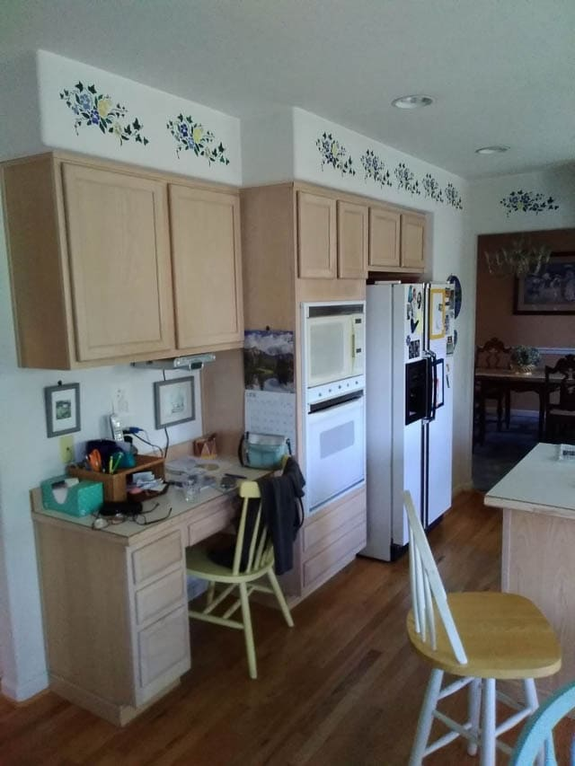 Before image of Kitchen Remodel in Burien WA 98146